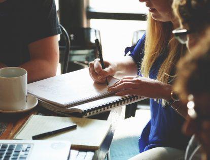 copywriter creating content